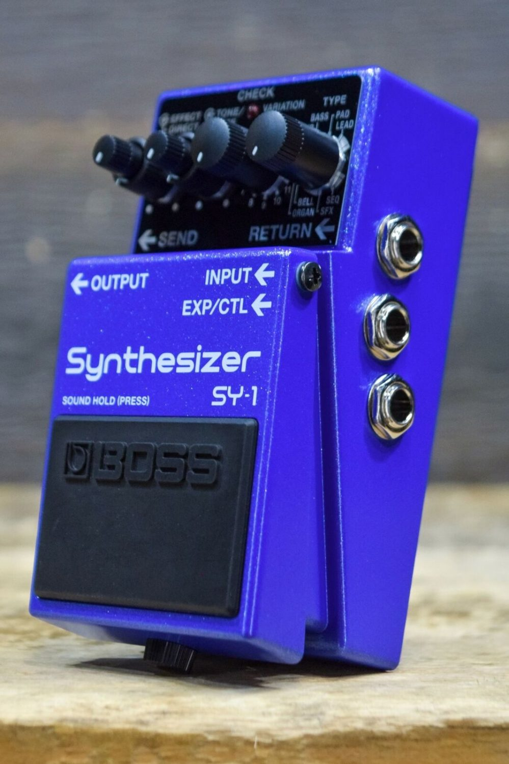 Boss SY-1 Guitar Synthesizer Effect Pedal